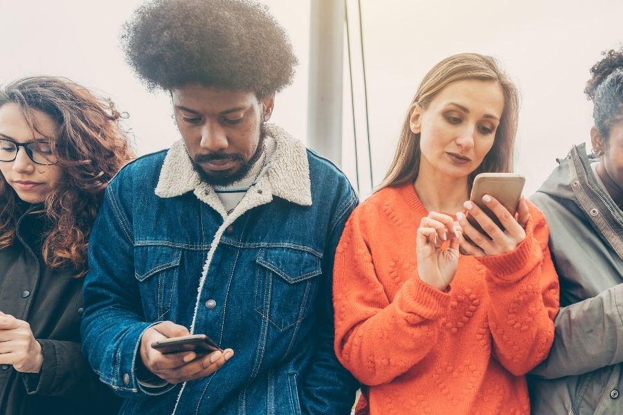 Social Media Impact Your Relationship