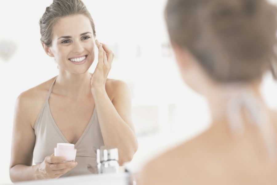 Difference between cosmetic and pharmaceutical skincare